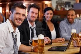 empleado llega bebido al trabajo
