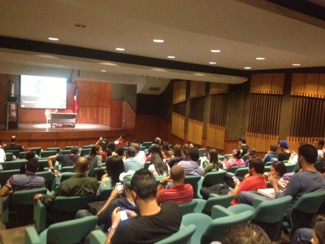Banco Caribe Realiza Jornadas Educativas Enseñando a Comprar Inteligentemente por Internet