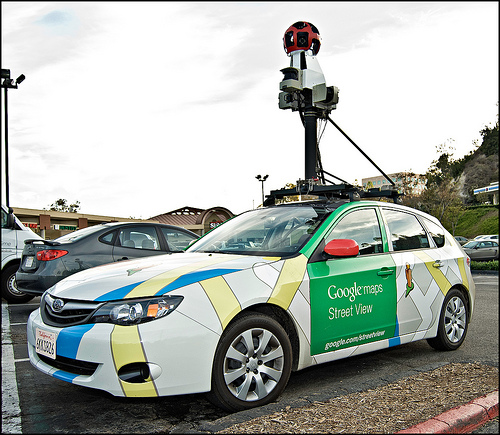 Un Vehículo De Google Map Provoca Accidente Por Manejar En