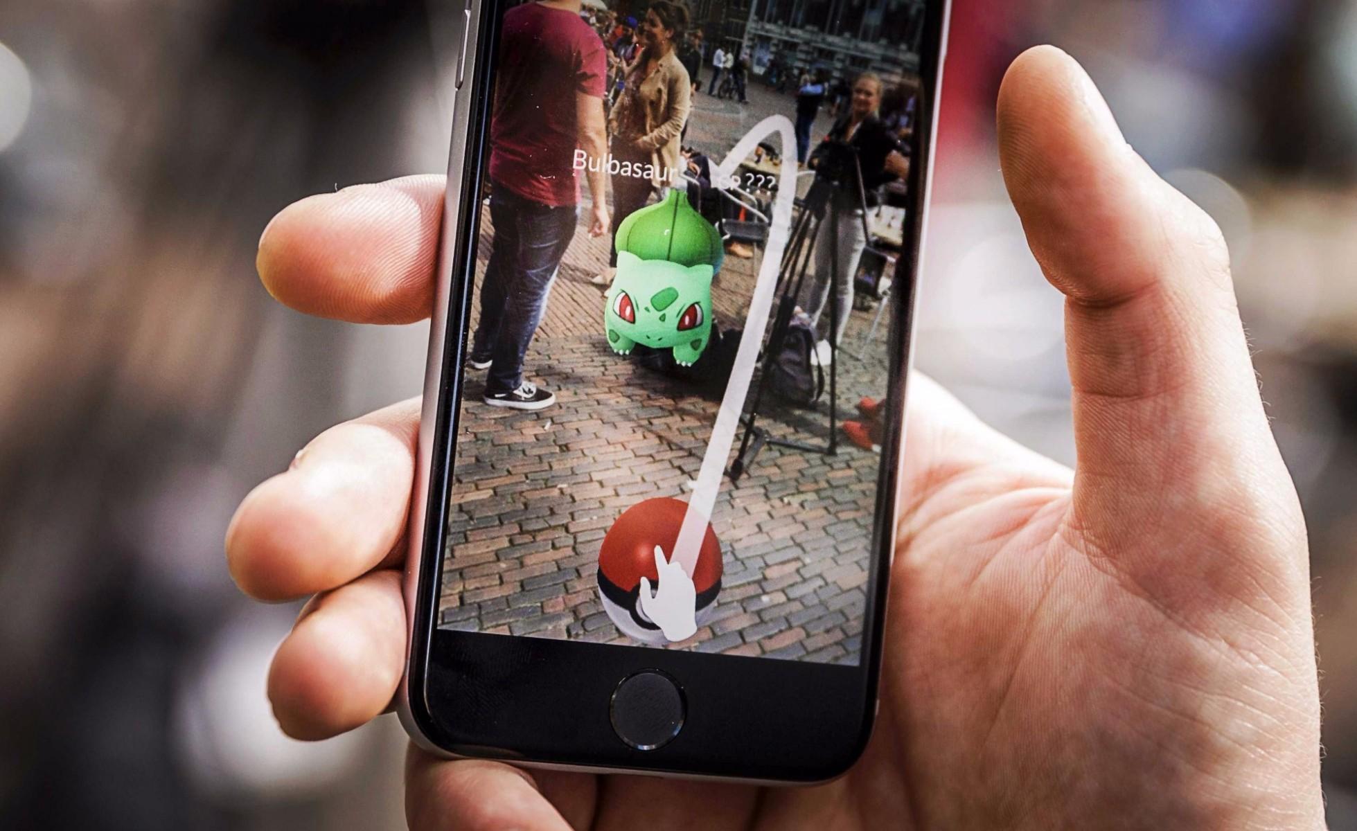 jugando Pokemon go
