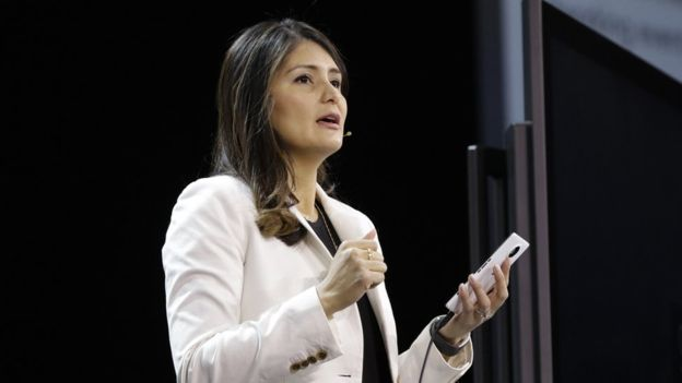 Lilian Rincón, de 36 años, diseña bots para Skype.