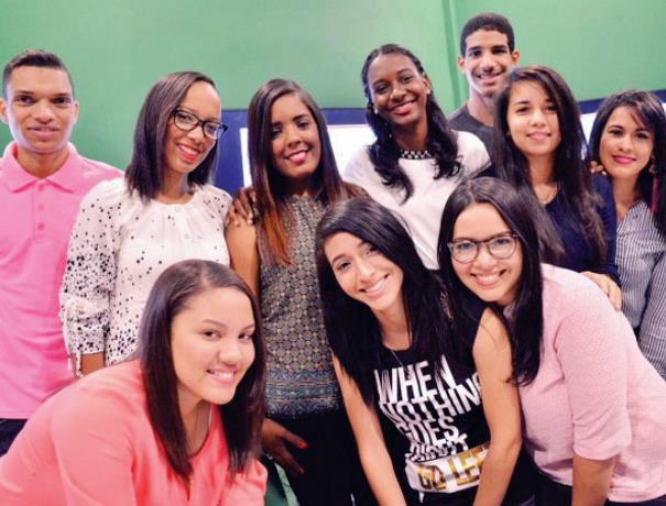 Resultado de imagen para jovenes dominicanos